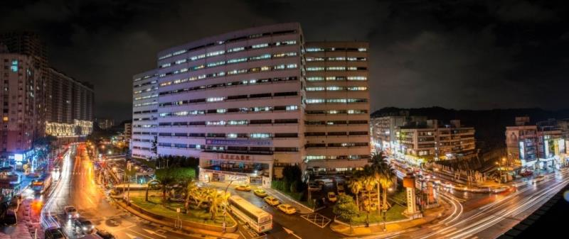 Night view of Keelung Chang Gung Memorial Hospital