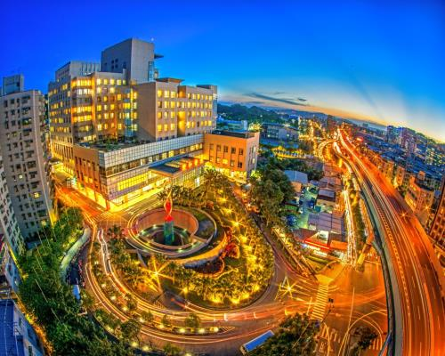 The Nightscape of Shuang Ho Hospital